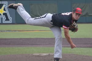 Colin Hall pitching1